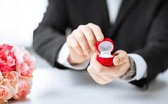 花束を使ってプロポーズをロマンチックに演出する方法