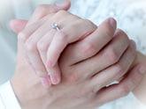 婚約指輪の適切な購入時期とは?
