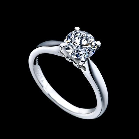 婚約指輪「EXCELSIOR」