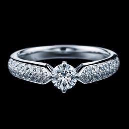 婚約指輪「エンゲージ431」