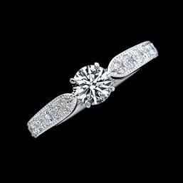 婚約指輪「Reine de Corolle」