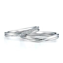 結婚指輪「Plume V字ライン」