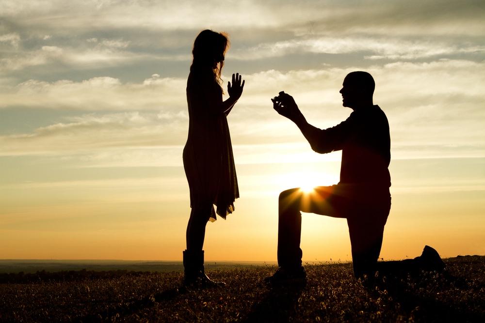 プロポーズに憧れている彼女にはロマンチックな演出をのイメージ