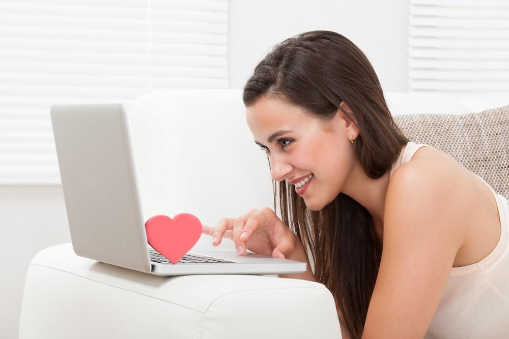 遠距離恋愛をしている彼女にプロポーズするには?のイメージ