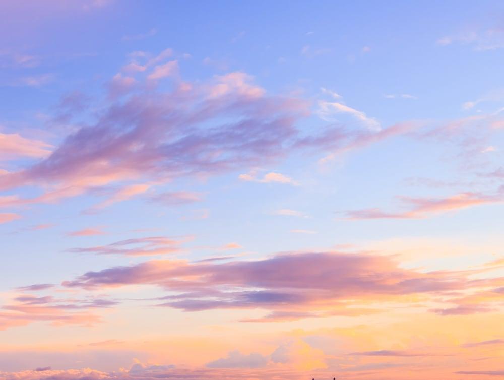 ドライブプロポーズなら夕日が沈む瞬間のイメージ