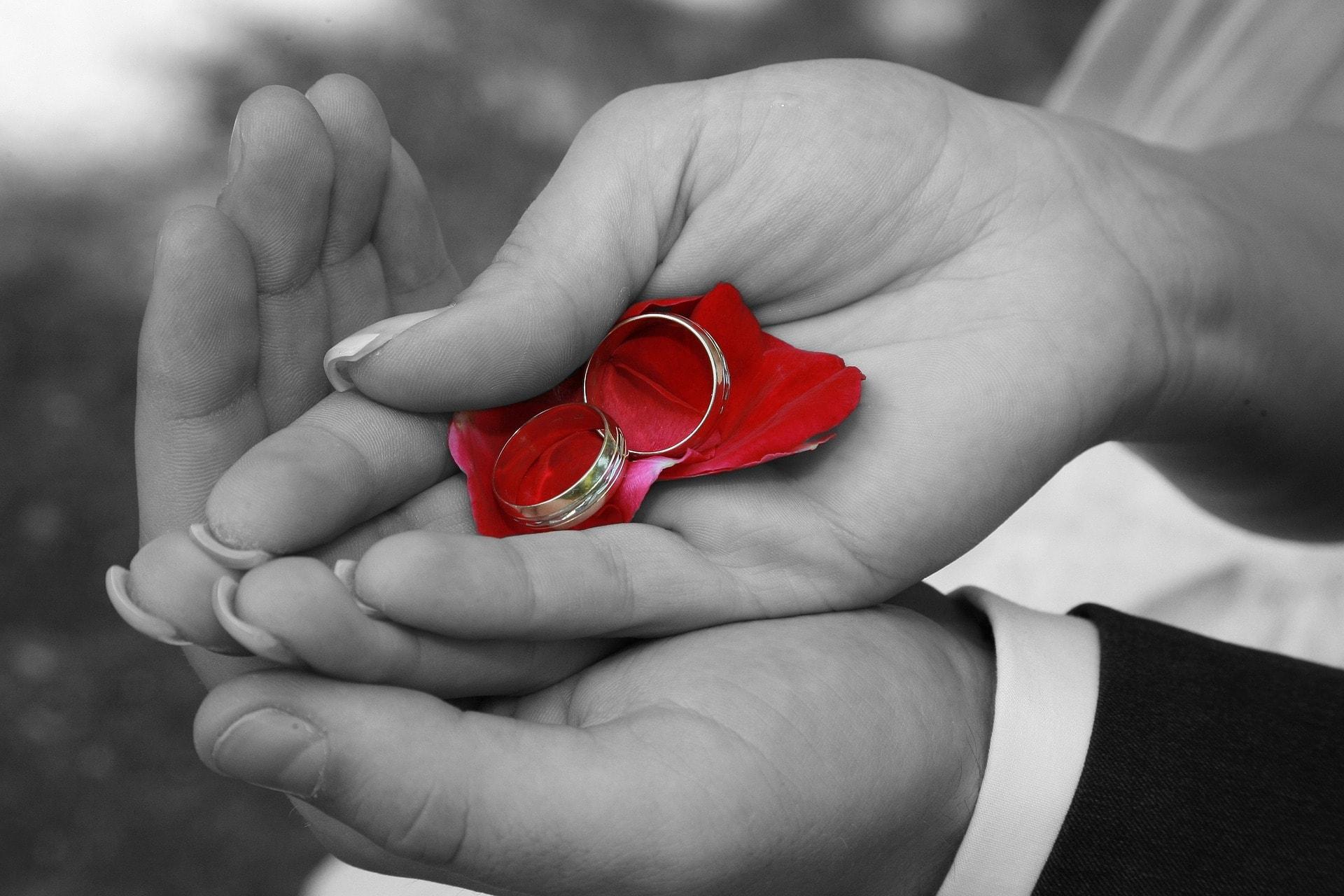 結婚指輪との付き合い方もカギ!?夫婦の愛を永遠に保つ秘訣のイメージ