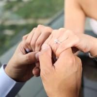 VOL.20 プロポーズ男子の基礎知識 プロポーズで婚約指輪を渡す意味と理想の渡し方って?のイメージ