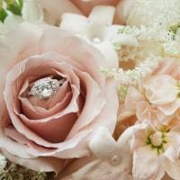 皆と同じは嫌!オンリーワンの婚約指輪のイメージ