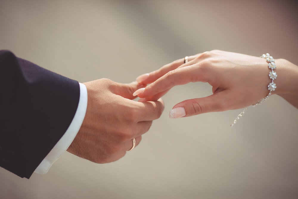 指輪の購入時にはアフターケアの充実度をチェックして!のイメージ
